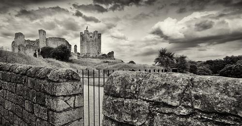 england blackandwhite bw castle heritage history monochrome wall clouds landscape mono ruins ngc ruin doncaster englishheritage conisborough castleruins conisboroughcastle