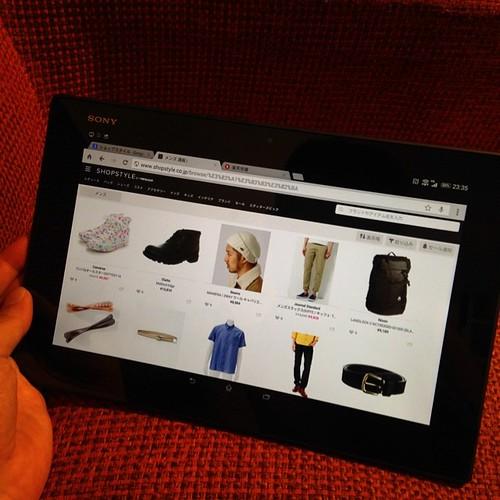 Xperia Z2 Tabletでショッピング。高解像度だからこそ、細部まで確認したいファッション系ECと相性が良い。 #Xperiaアンバサダー