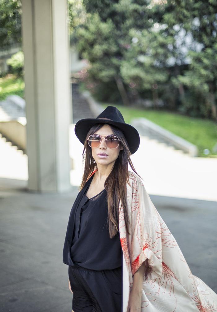 street style barbara crespo kimono front row shop sendra boots jumpsuit black fashion blogger outfit blog de moda