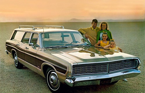 ford_ltd_country_squire_station_wagon_3