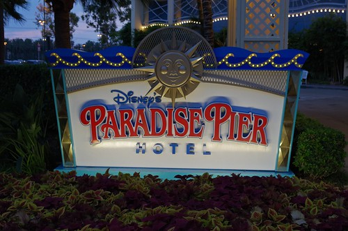 PEP_0724 Paradise Pier Hotel sign