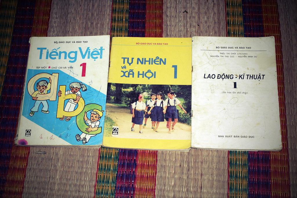 Sách giáo khoa tiểu học cũ - nơi lưu giữ từng trang ký ức 14869054006_296a4805ec_b
