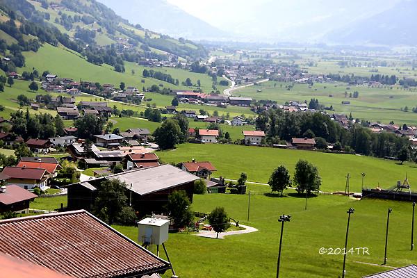 海拔一千公尺的呼吸。Chalet an der Piste-Walchen-20140621