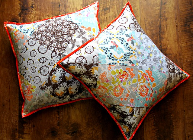Pillow Set in Sweet as Honey