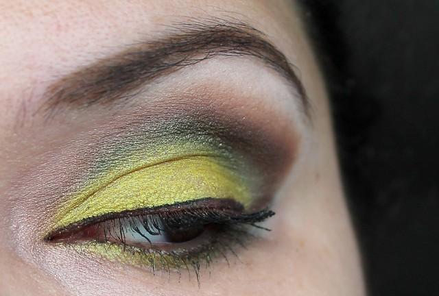MUFE Aquamatic Iridescent Lime Green