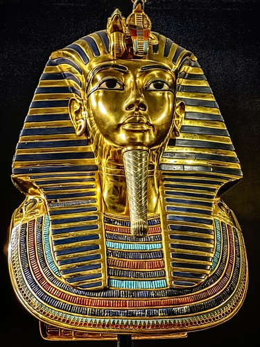 The famous gold death mask of King Tutankhamun New Kingdom 18th Dynasty Egypt 1332-1323 BCE | by mharrsch