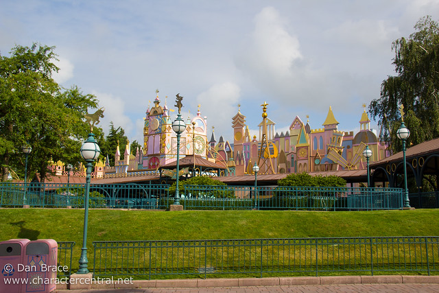 Wandering around Fantasyland