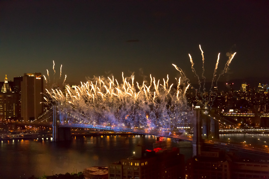 Brooklyn Bridge Fireworks 2