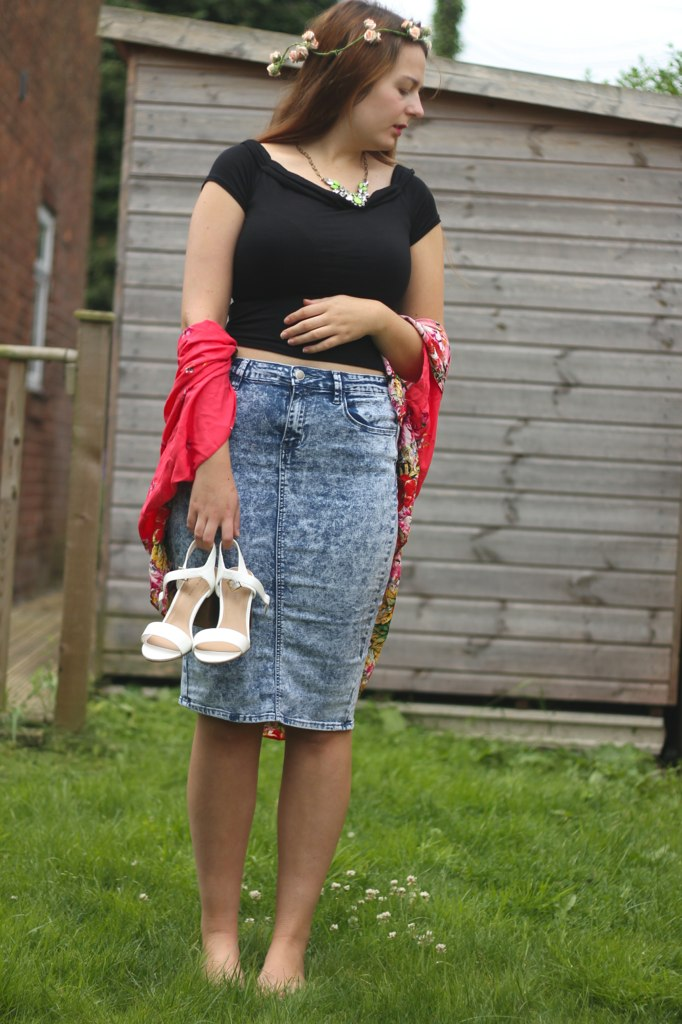 Festival outfit with white sandals