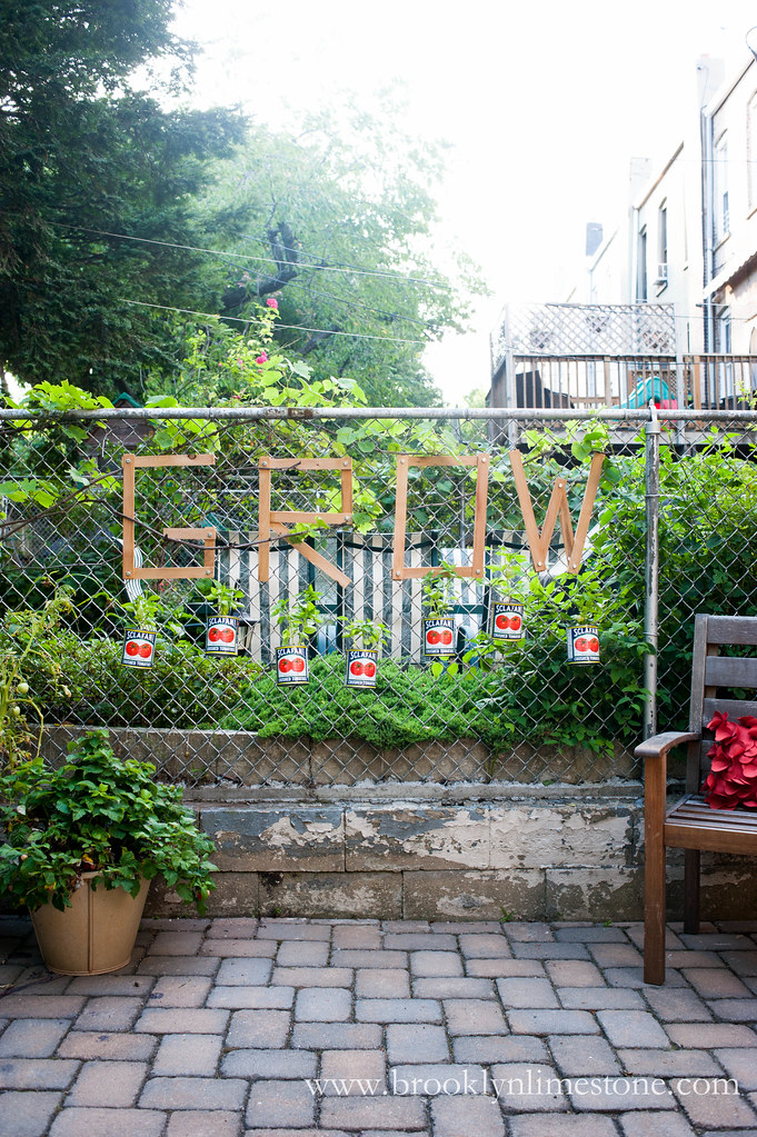 Chic on the cheap chain link fence basil garden for Cheap vertical garden