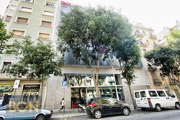 Hotel ibis barcelona centro passaporte bcn for Hoteles en barcelona centro para familias