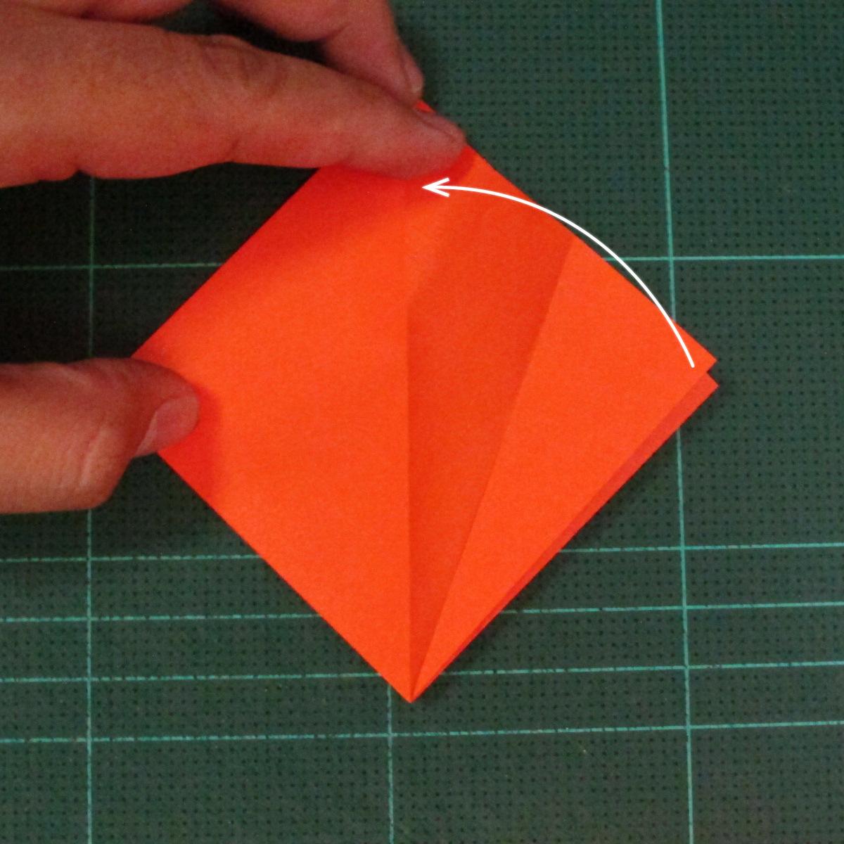วิธีพับกระดาษเป็นช่อดอกไม้ติดอกเสื้อ (Origami Wedding Chest Flower) 007