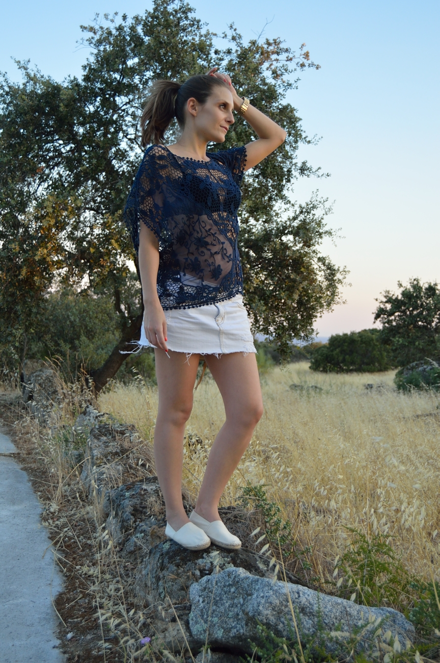 lara-vazquez-mad-lula-fashion-trends-look-lace-blue