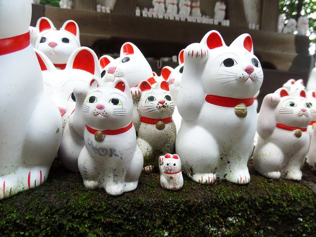 maneki neko, lucky, beckoning cat