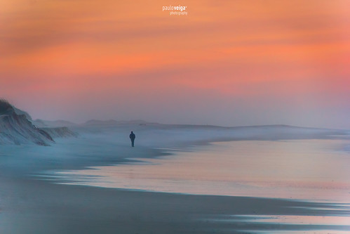 sunset sea sky man praia portugal água fog reflections photography mar photo sand mood sundown dunes picture silhouettes paisagem minimal serenity minimalism neblina reflexos dunas aveiro silhuetas furadouro pauloveiga