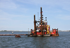 machine, vehicle, transport, petroleum, dredging, offshore drilling,