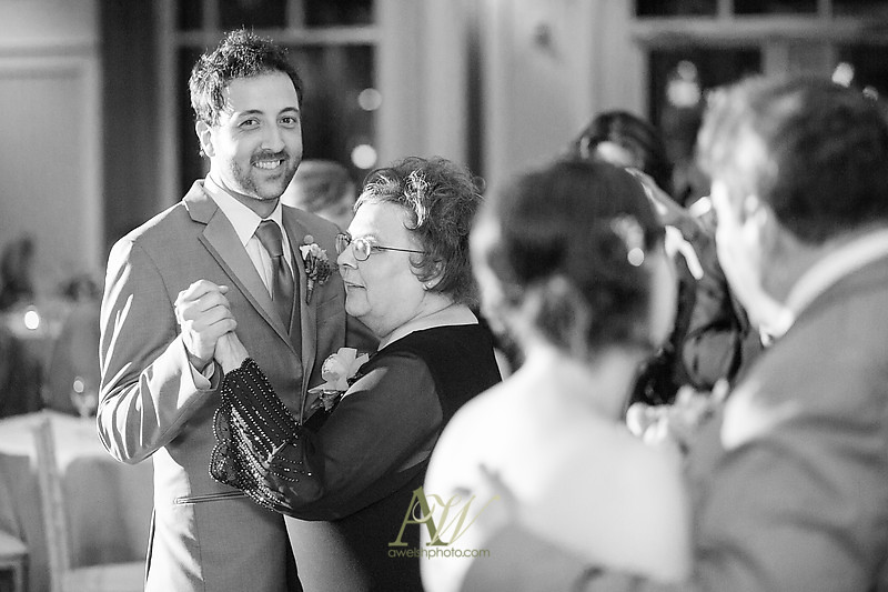 wedding photographer Rochester NY Andrew Welsh Photography shadow lake reception strathallan cobbs hill artisan works outdoor ceremony