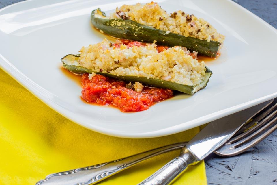 Gefüllte Gurken mit Quinoa by Lunchforone