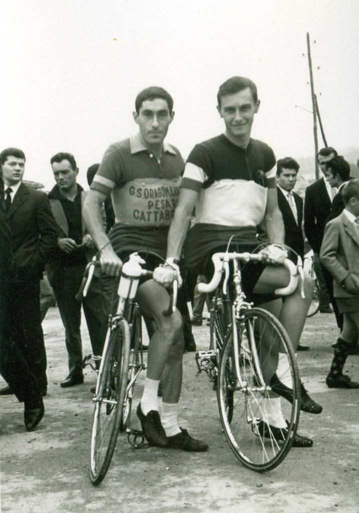Poggiali Roberto (maglia campione italiano dilettanti) al G.P. Industria e Commercio svoltosi a Dogana (Rep. San Marino) - 1952