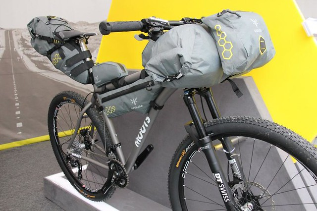moots bike packing adipura