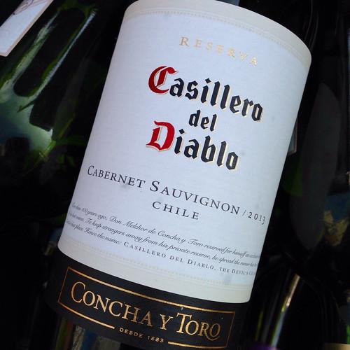 Kết quả hình ảnh cho casillero del diablo cabernet sauvignon reserva