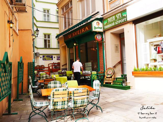 捷克Karlovy Vary餐廳推薦Restaurace U Svejka德國豬腳 (4)