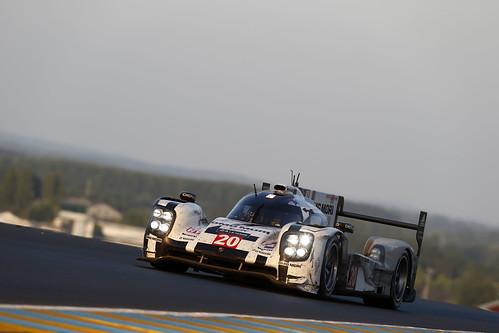 Timo Bernhard, Brendon Hartley, Mark Webber Porsche 24 Horas Le Mans 2014