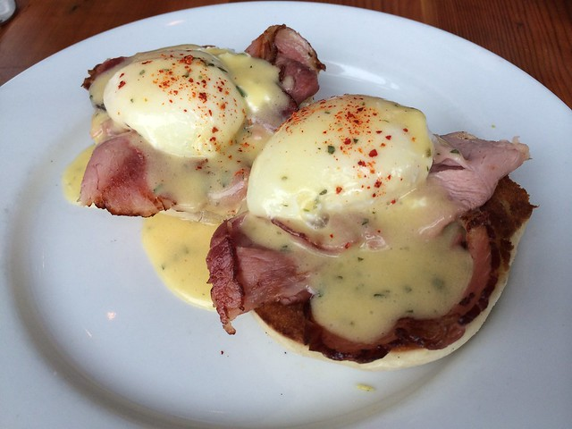 Eggs benedict - Clyde Common