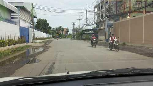 จากถนนชำรุด สู่ถนนที่ผู้คนสัญจรได้สบายๆ