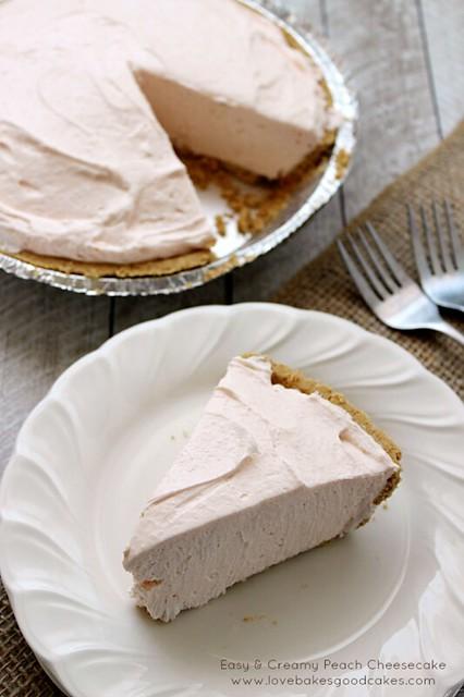 Easy & Creamy Peach Cheesecake #SummerDesserts #nobake #cheesecake