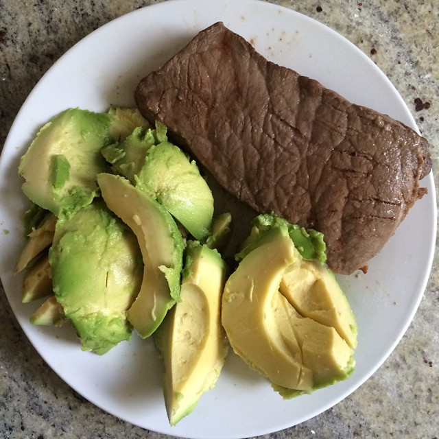 Day 15, #Whole30 - lunch (leftover steak & avocado)