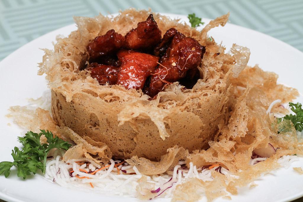 Joyden Seafood: Lemongrass Pork Ribs in Yam Ring