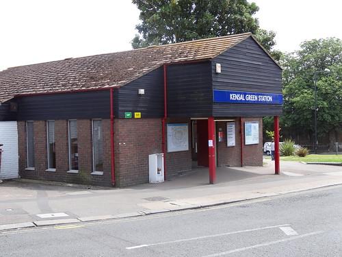 044 - Kensal Green station