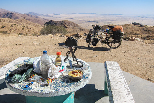 Stunning views from the top of the Spreetshoogte pass, Namibia