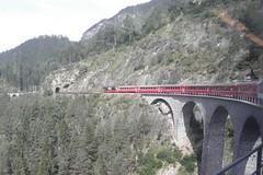 Glacier a Berninou, jedem v létě za zimou (1)
