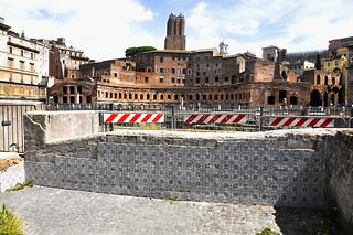 resti delle abitazioni della via Alessandrina, completamente demolita per fare spazio agli scavi del foro di Traiano