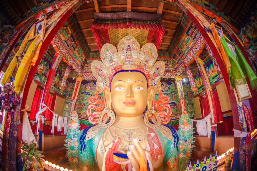 Статуя Будды Майтрейи. Монастыри Ладакха (Монастыри малого Тибета) © Kartzon Dream - авторские путешествия, авторские туры в Ладакх, тревел фото, тревел видео, фототуры
