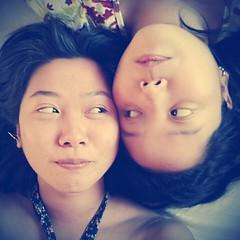 Ter um tempinho para desfrutar da companhia daquela que além de irmã é minha melhor amiga: não tem preço! ♥♥♥ #100happydays #day42  (Valendo para ontem porque caímos no sono depois da maratona de filmes e eu esqueci de postar.)