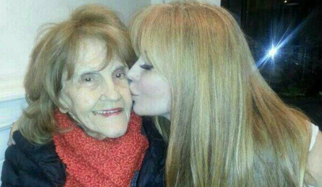 Graciela Alfano junto a su madre