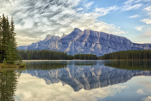 longexposure clouds reflections banff geology mountrundle twojacklake