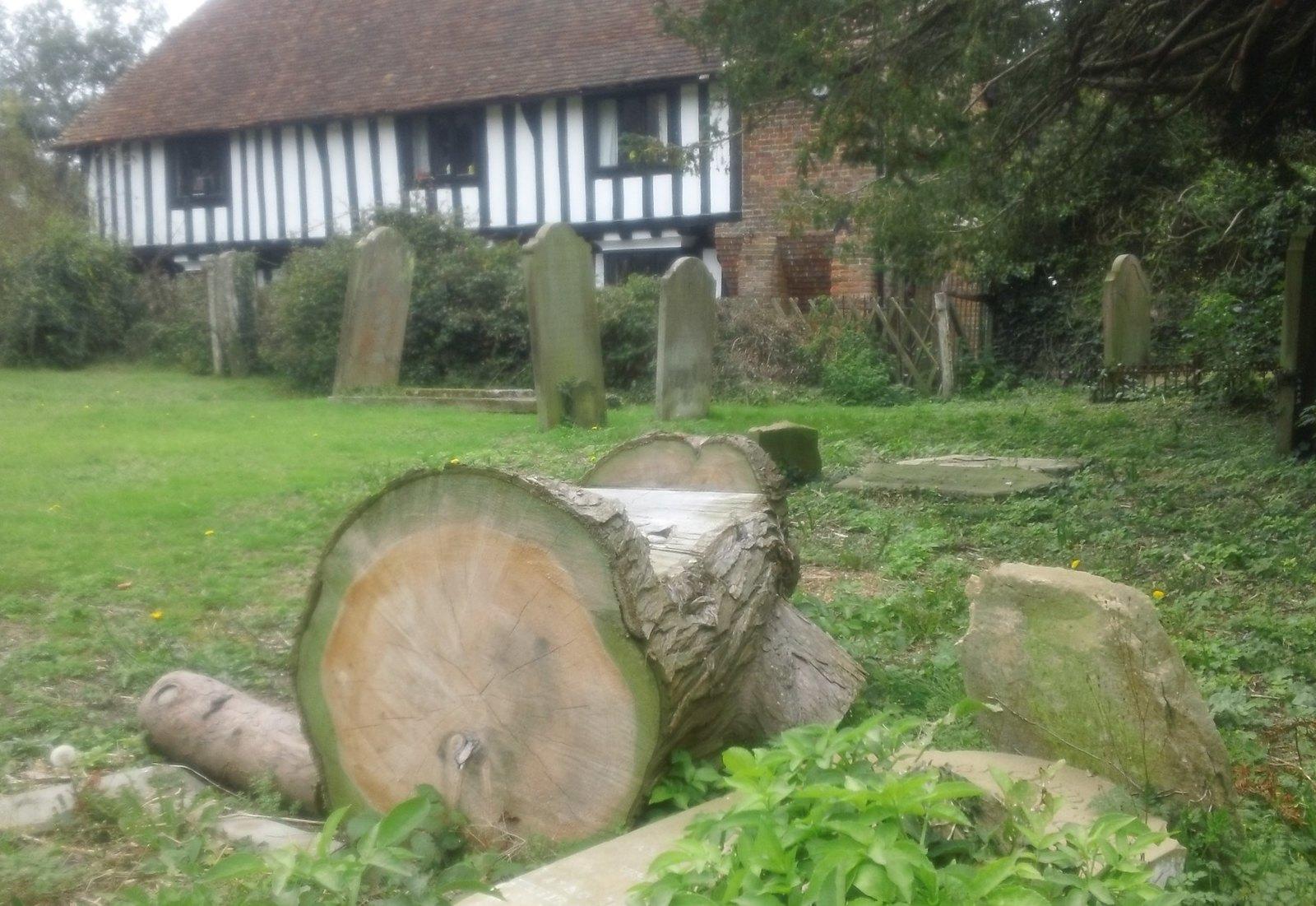 Graveyard resting place St Mary's (Lenham)