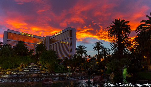 lasvegas nevada unitedstates us sunset las vegas mirage sky volcano strip canon 6d outdoors hotel water cascade flaming united states america