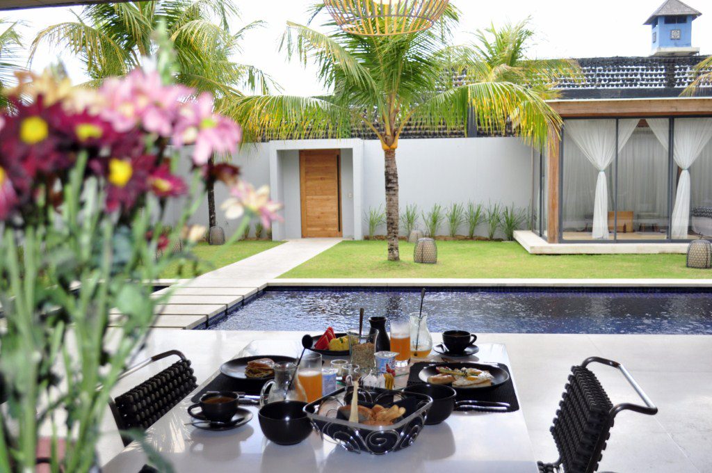 Desayuno en one eleven Bali One Eleven Bali, las villas más lujosas de indonesia - 14472785547 594ff78db2 b - One Eleven Bali, las villas más lujosas de indonesia