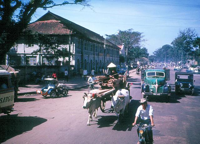 SAIGON 1965 - Đường Chi Lăng - Trường Trung Học Trang Trí Mỹ Thuật Gia Định (ngay ngã ba Chi Lăng-Nguyễn văn Học)
