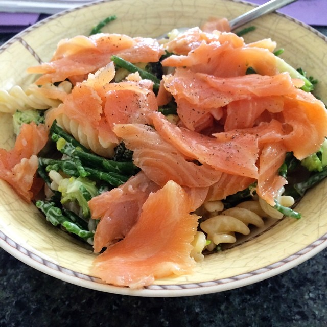 Insanely good food. Smoked salmon, broccoli and samphire pasta with lemon. Recipe on the blog any minute now.