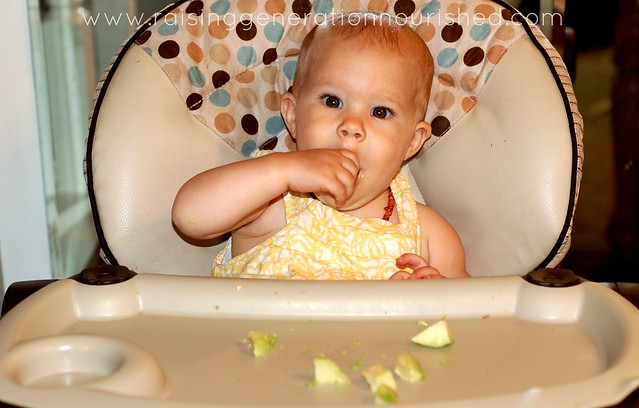 "Avoiding The ""O's"" :: 5 Real Food Finger Foods To Teach Self Feeding While Nourishing Your Baby"