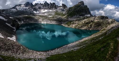 blue alps schweiz switzerland see suisse teal aquamarine cyan ostschweiz berge svizzera rheintal bergsee wanderung rhinevalley gebirgssee wildsee pizol 5lakes 5seen