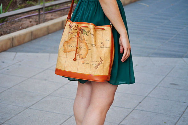 alviero martini valencia map bag spain blogger, something fashion zara sheer dress mermaid green carolina herrera sandals CH, fashion blogger from valencia, style vintage romantic outfit sheer skater dress