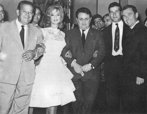 1960 - Παντελής Ζερβός, Αλίκη Βουγιουκλάκη, Μάνος Χατζιδάκις, Δημήτρης Παπαμιχαήλ & Ντίνος Δημόπουλος στο 1ο Φεστιβάλ Κινηματογράφου Θεσ/νίκης.