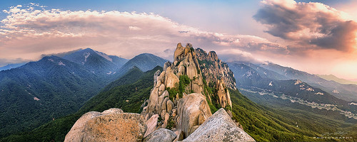 mountain 50mm rocks sony hike summit southkorea sokcho seoraksannationalpark a7r ulsanbawi